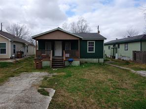 2618 Avenue D, Dickinson, TX 77539