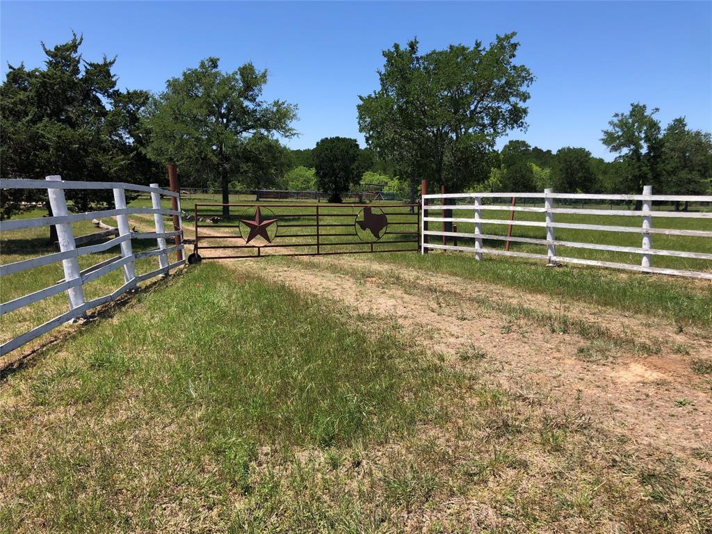 14624 N State Highway 95, Flatonia, TX 78941