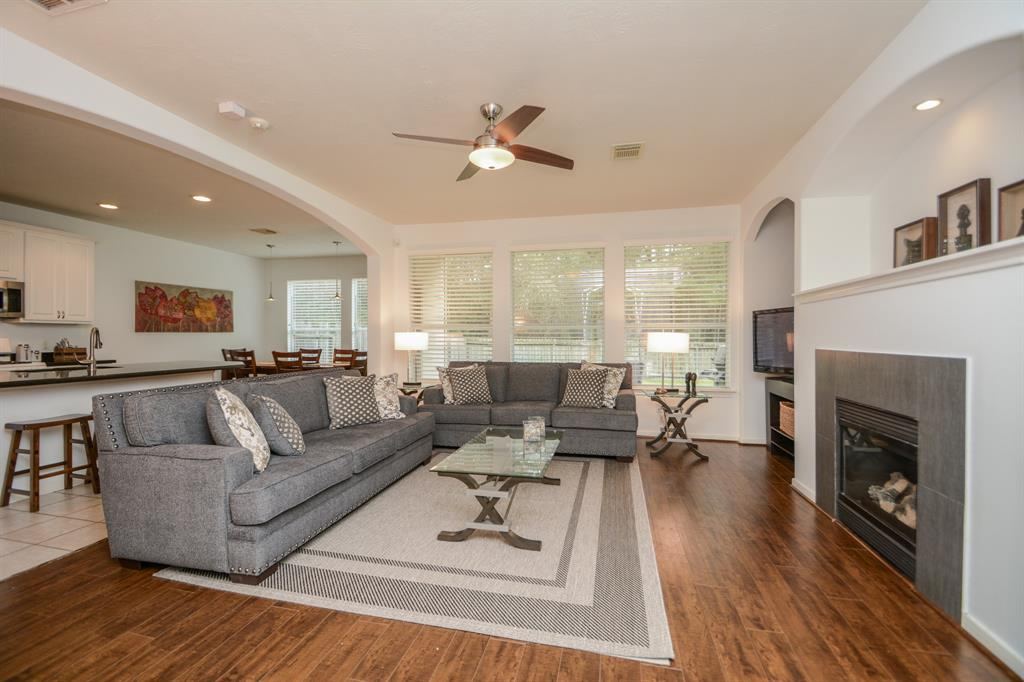 BEAUTIFUL **FULLY-FURNISHED** TOWNHOUSE IN PRIVATE CORNER LOT.  VERY WELL MAINTAINED AND TASTEFULLY DECORATED. RENOVATED KITCHEN. GRANITE COUNTERTOPS. LAMINATE FLOORS IN LIVING ROOM. LARGE KITCHEN WITH LOTS OF CABINETS. HUGE FENCED BACKYARD. ALL BEDROOMS ARE IN SECOND FLOOR. YARD MAINTENANCE INCLUDED. WALKING DISTANCE TO PARKS, COMMUNITY POOL, TENNIS COURT, SCHOOLS. CENTRALLY LOCATED!