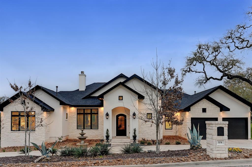 104 Delores Avenue, La Grange, TX 78945