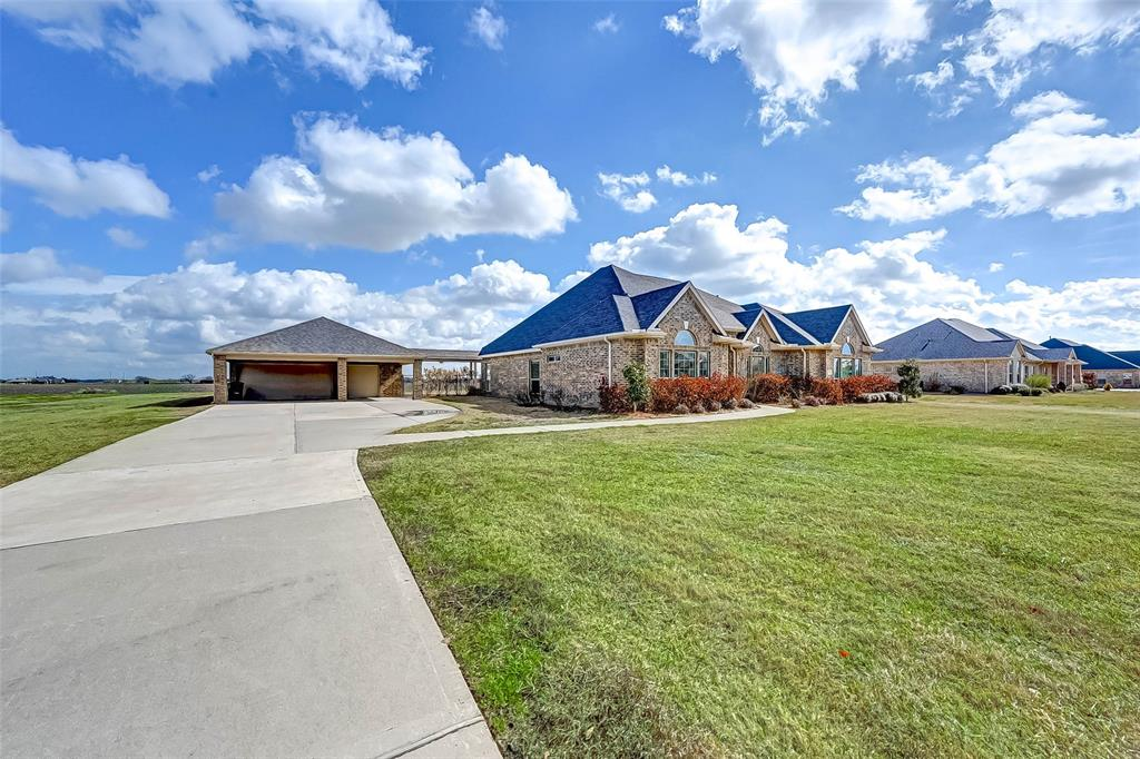 Beautiful one story in the highly desirable Tejas Lakes subdivision! Includes both formal dining and breakfast areas and a study/office. Three car garage with attached carport offers lots of parking and space for a workshop! Large backyard offers plenty of space for a pool or garden. Make your appointment today!