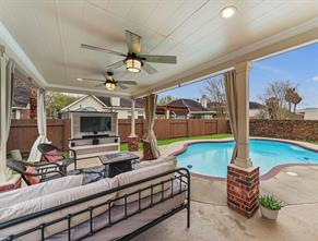 4918 Mission Lake Court, Richmond, TX 77407