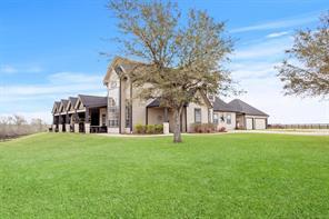 3056 Long Lane, Wallis, TX 77485