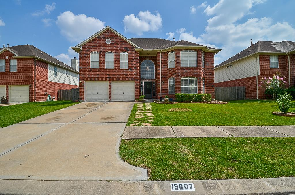 """"""" IT DID NOT FLOOD DURING HURRICANE HARVEY and not before or after """".  Gorgeous large home. Beautiful 5 bedrooms, 3 1/2 baths, large den, formal dinging, formal living, breakfast area, and game room. Primary bedrooms suite first floor. Lots of recent updates. Very convenient location."""