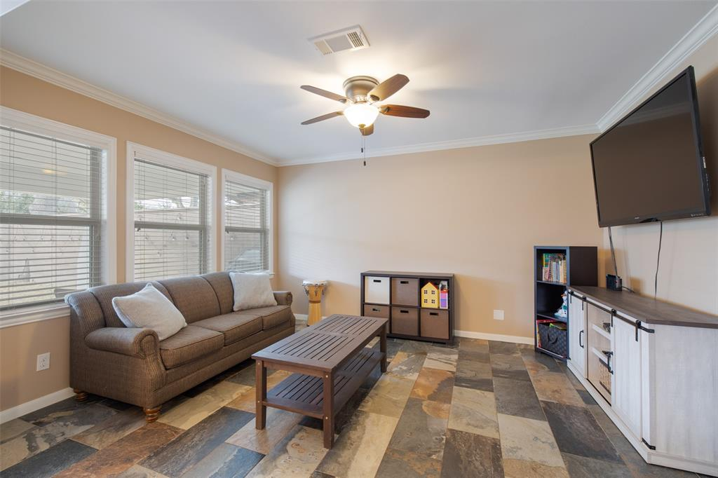 This bonus space offers lots of options and can function as a home office, kid's play room or exercise space.