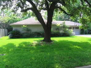 5544 Huisache Street, Bellaire, TX 77401