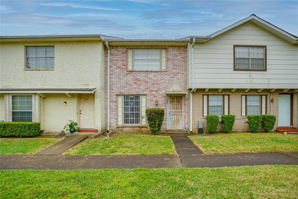 13057 Clarewood Drive, Houston, Texas 77072, 2 Bedrooms Bedrooms, 2 Rooms Rooms,1 BathroomBathrooms,Rental,For Rent,Clarewood,76796752