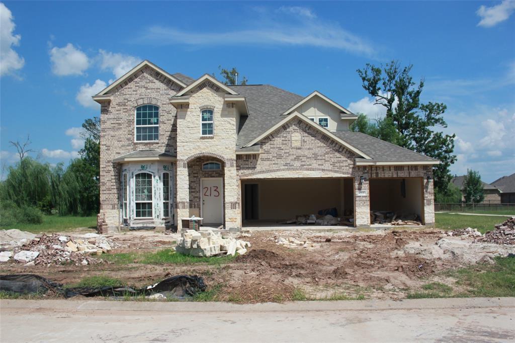 213 Bentwater Lane, Clute, TX 77531