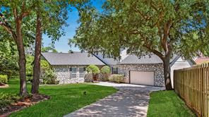 161 April Wind East Drive, Montgomery, TX 77356