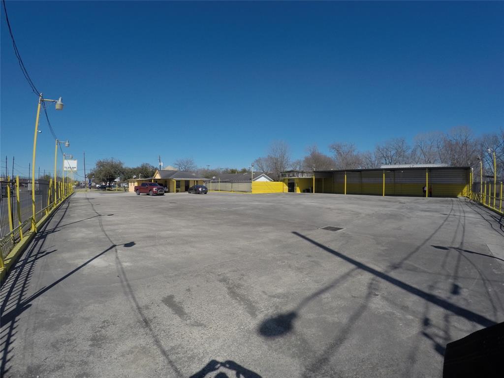 1400 N Wayside Drive, Houston, TX 77020