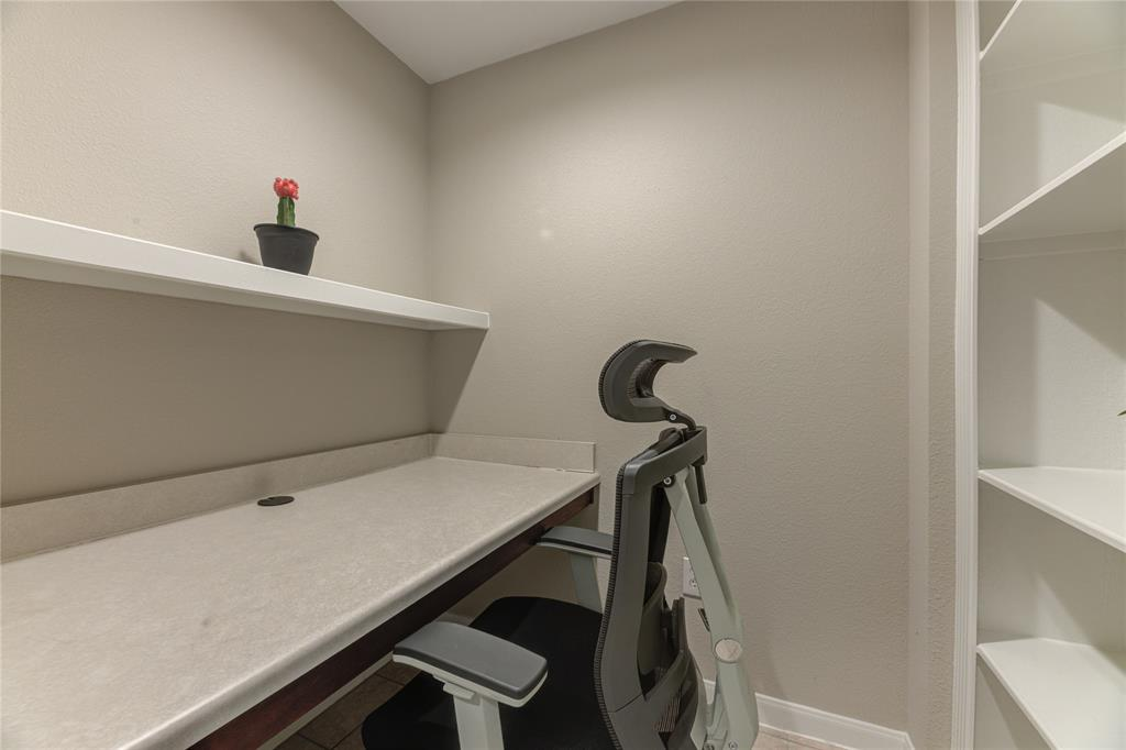 7575 Kirby Drive, Houston, Texas 77030, 2 Bedrooms Bedrooms, 9 Rooms Rooms,2 BathroomsBathrooms,Mid/hi-rise Condo,For Sale,7575 KIRBY,Kirby,59181969