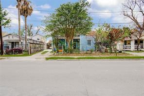 305 Lockwood, Houston TX 77011