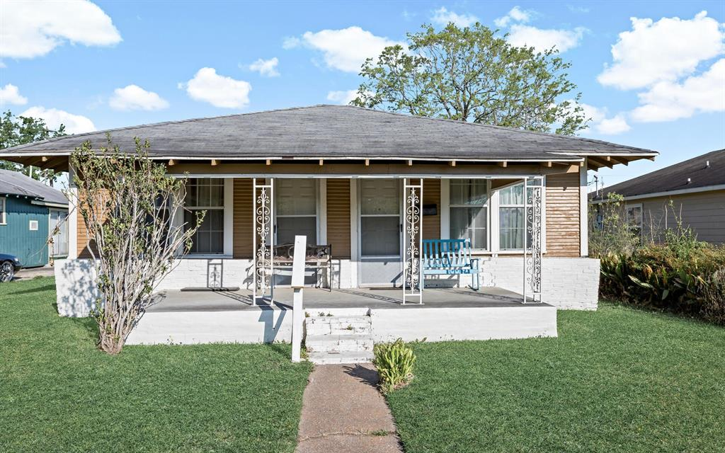 1027 13TH Street, Port Arthur, TX 77640