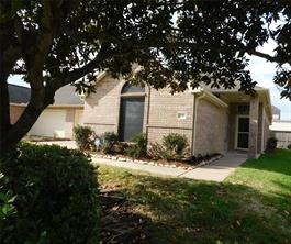 710 Apple Blossom, Pearland, TX 77584