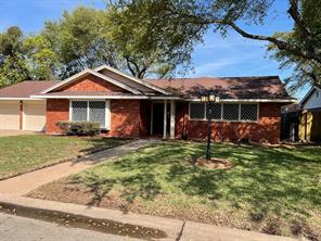 32 Maple Lane, Galveston, TX 77551