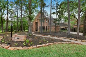 42 Golden Shadow Circle, The Woodlands, TX 77381
