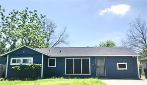 6302 Lyndhurst, Houston TX 77087
