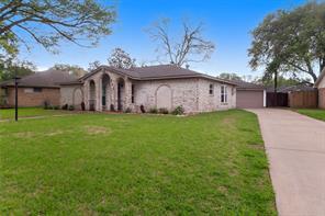 712 Newman Street, Angleton, TX 77515