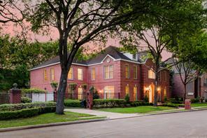 1 Pin Oak Estates Drive, Bellaire, TX 77401