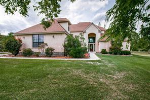 68 Woodside Drive, Bay City, TX 77414