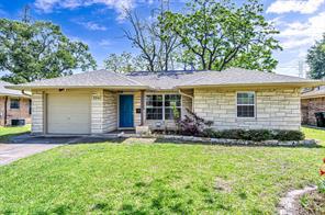 3042 Oak Forest Drive, Houston, TX 77018