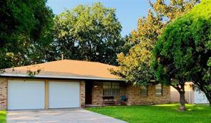 1812 Aspen Lane, Seabrook, TX 77586