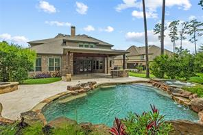 83 S Shimmering Aspen Circle, The Woodlands, TX 77389