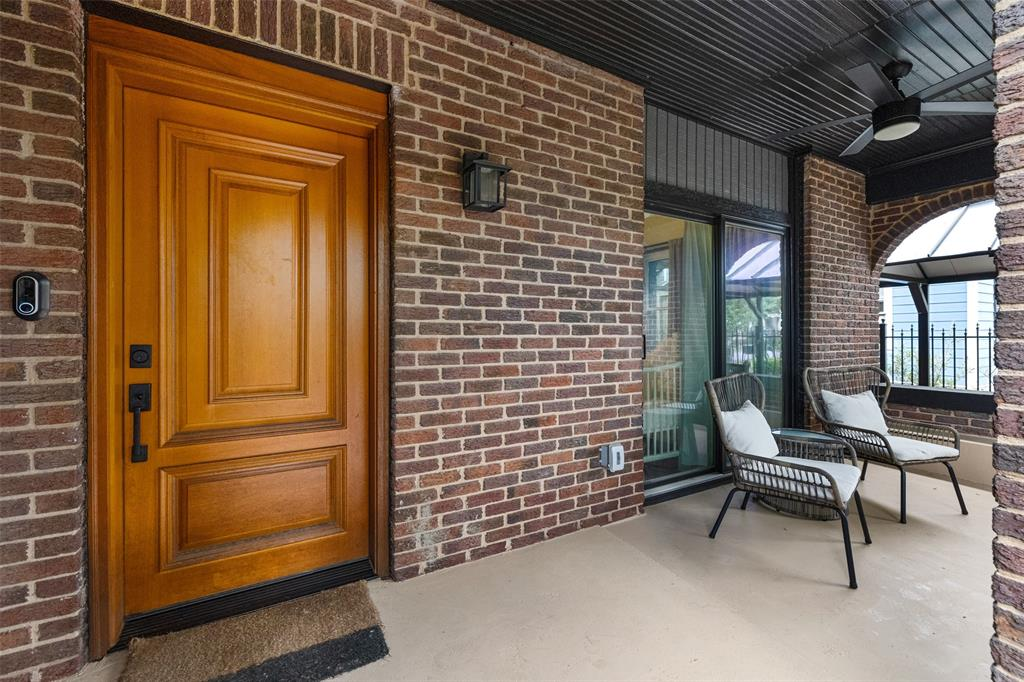 No Heights bungalow would be complete without a front porch. This classic brick home offers a large porch, perfect for those relaxing Spring afternoons and weekends.
