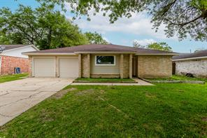 220 Englewood Drive, League City, TX 77573