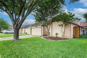11723 Brook Meadows, Meadows Place, TX 77477