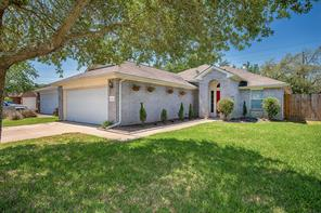 5102 Chase Park Court, Bacliff, TX 77518