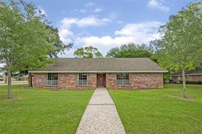 728 Cedar Lawn Drive, Alvin, TX 77511