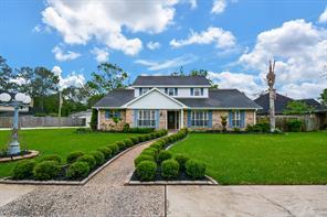 730 Olde Oaks Drive, Dickinson, TX 77539