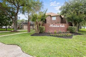 1102 Hidden Oaks