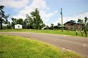 105 Oak Lee, Onalaska TX 77360