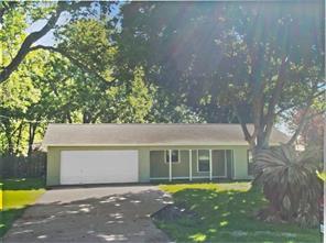 406 Southern Oaks, Lake Jackson TX 77566