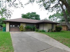 914 Peach Street, El Campo, TX 77437