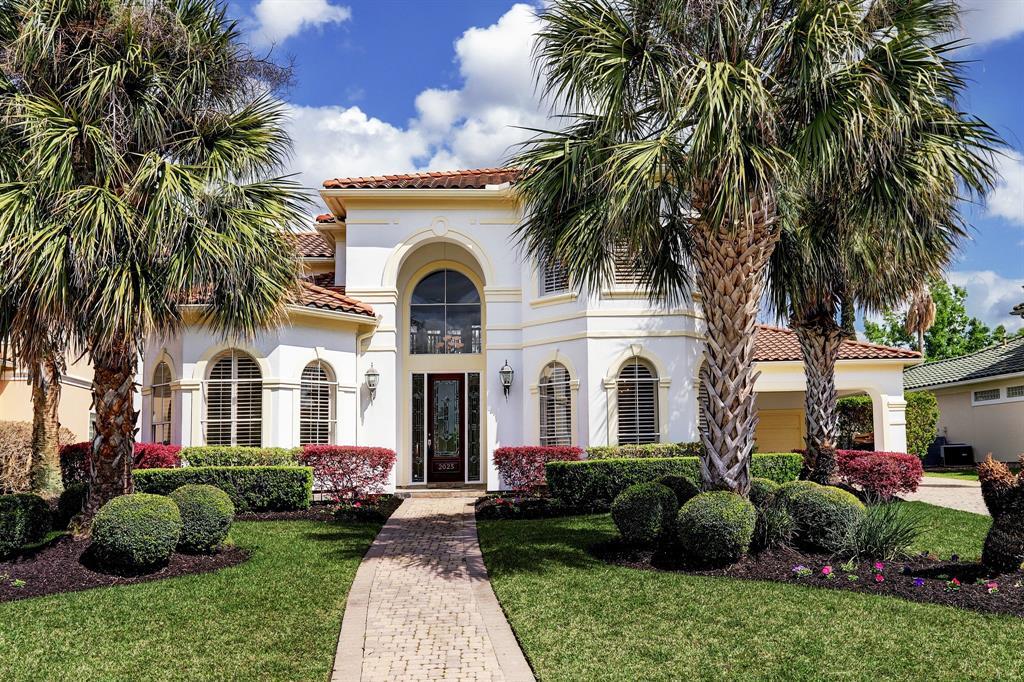 2025 Diamond Springs Drive, Houston, Texas 77077, 4 Bedrooms Bedrooms, 12 Rooms Rooms,3 BathroomsBathrooms,Rental,For Rent,Diamond Springs,48806002