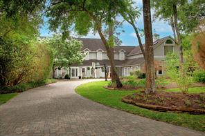 16 W Wedgewood Glen, The Woodlands, TX 77381