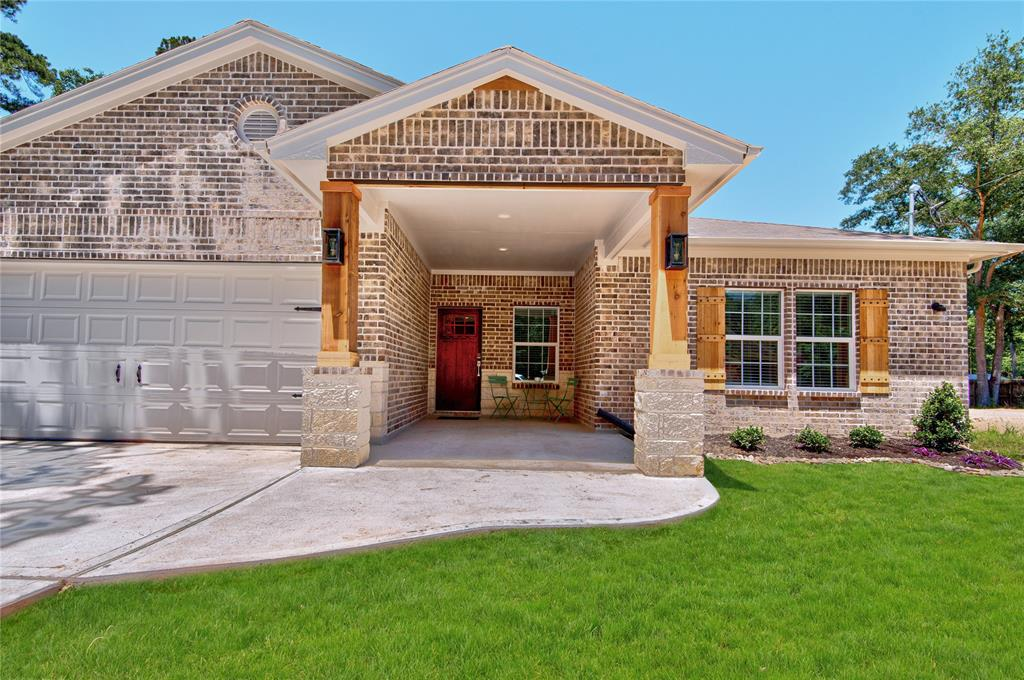 BRAND NEW CONSTRUCTION WITH HIGH END FINISHINGS ready for move in! 4 bed, 2 bath, open concept, 2 car garage, large covered patio with ceiling fan, polished concrete floors throughout the social areas, high quality carpet in the bedrooms, huge laundry room. Two tone kitchen with new GE appliances included. Great neighborhood, 5 minutes from the woodlands mall and 45. Lots of green, mature trees. Large lot! (Back yard fencing will be installed)