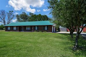 204 Meadowview Drive, El Campo, TX 77437