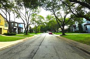 5661 Locke Lane, Houston, TX 77056