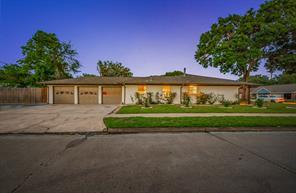 801 N Kaufman Drive, Deer Park, TX 77536