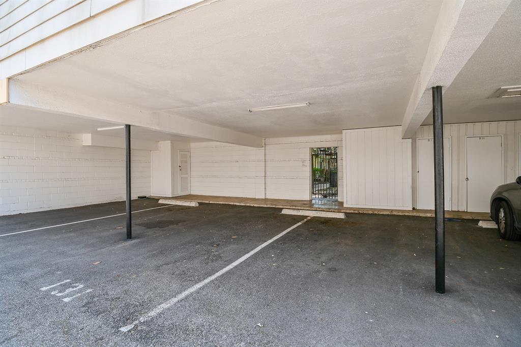 2611 Marilee Lane, Houston, Texas 77057, 2 Bedrooms Bedrooms, 2 Rooms Rooms,2 BathroomsBathrooms,Townhouse/condo,For Sale,Marilee,94644464