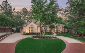 18 E Majestic Woods Place, The Woodlands, TX 77382