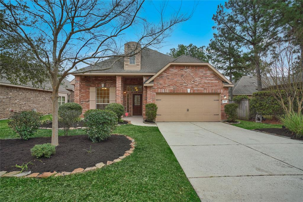 Beautiful  one story three bedrooms and 2 bathrooms with a great and open layout. Has a Great outdoor space for you and your family to relax.  Located within the heart of Ceekside Village in The Woodlands, surrounded by Lakes and Parks. Only minutes away from Jagged Park. Just painted and ready for you to call it HOME. Unique hardwood floors on all Rooms and a spacious Gourmet Kitchen with granite counters and stainless-steel appliances, are some of the features this home offers. Spend time with your family in the spacious Family Living that features natural sunlight and a cozy corner fireplace. The plan includes a Study for a private home office space overlooking the small front porch towards the quiet neighborhood, and a formal Dinning. Located in the back, for privacy, the luxurious Master Suite cases a Master Bath with 2 separate vanities, shower, tub and Walk-In closet. Enjoy fresh afternoons in the covered outdoor area with actual play space in the yard.