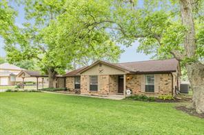 5134 Riverview Drive, Alvin, TX 77511