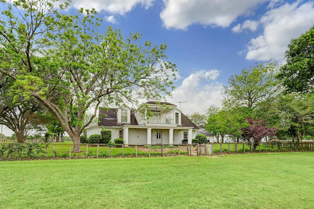 6655 Chadwick Hogan Road, Chappell Hill, TX 77426