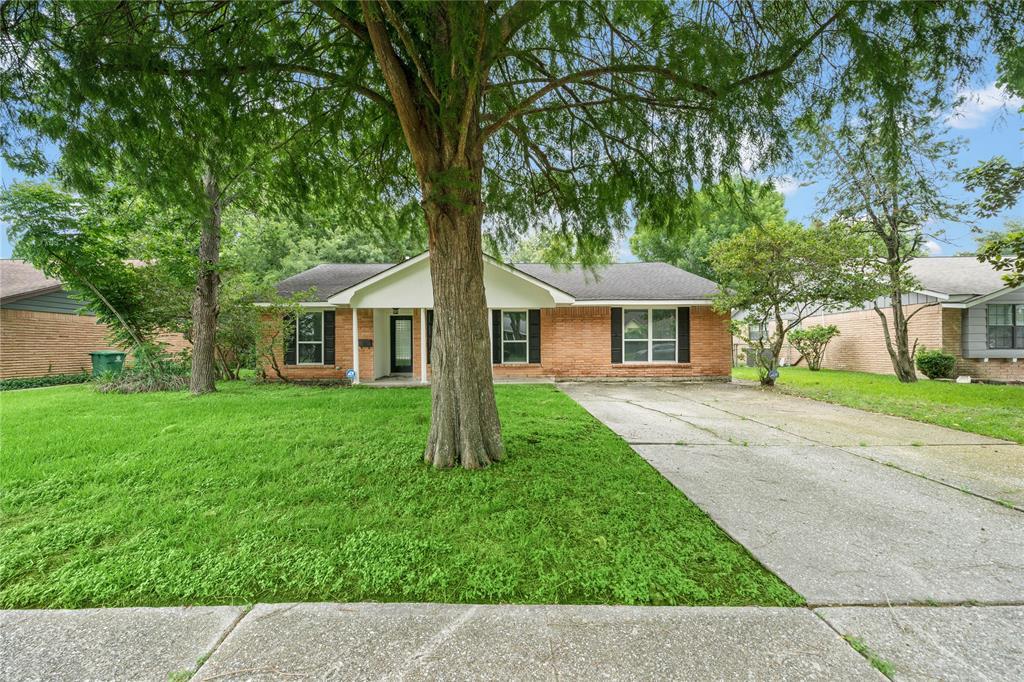 11918 Ashcroft Drive, Houston, TX 77035