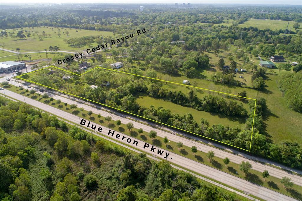4419 Crosby Cedar Bayou Rd, Baytown, TX 77521